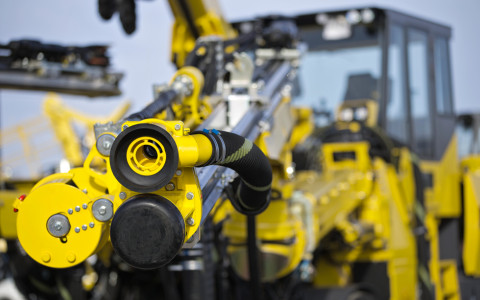 For the first time, Atlas Copco is able to deliver a three-boom jumbo that is totally water-free. The system uses compressed air for hole flushing and a suction nozzle around the drill string to eliminate dust.