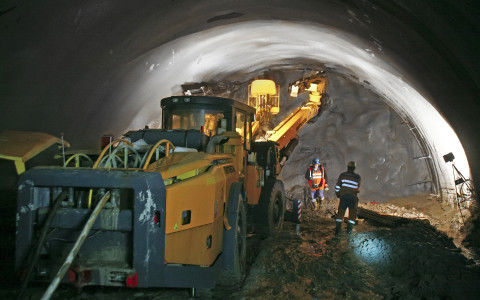 Tunneling at Pol'ana is being carried out 7 days a week with two 11-hour shifts per day.