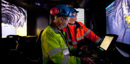 Personal trainer: Trainees are instructed at every level on how to perform drilling procedures in the simulator with no impact on the mine's actual operations.
